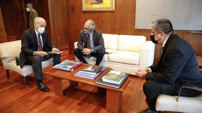 Ministro Merino se reúne con ejecutivos de Compañía de Minas Buenaventura
