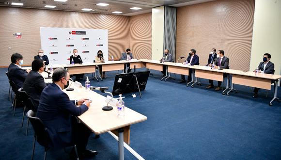 MEF y PCM se reúnen con empresas mineras y de transporte